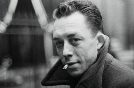 """Camus'un """"Yabancı""""sı Meursault"""
